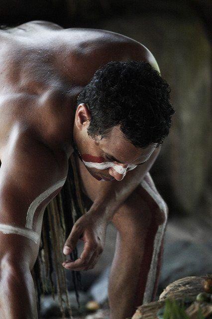 Diferentes estudios genómicos han abordado el origen de los aborígenes australianos. Imagen: Steve Evans from Citizen of the World (Australia: Aboriginal Culture 008) [CC BY 2.0 (http://creativecommons.org/licenses/by/2.0)].