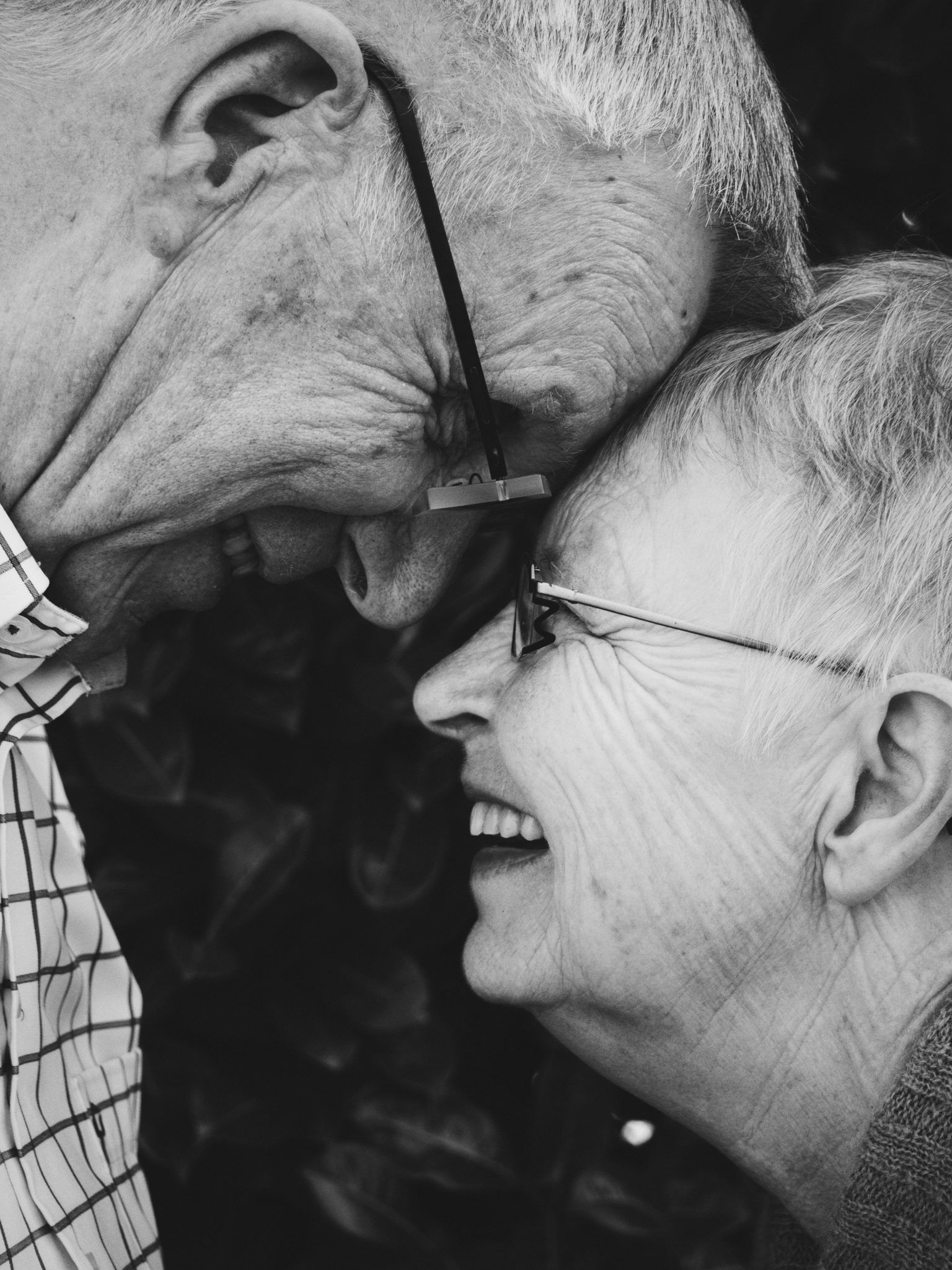 En una sociedad en la que la esperanza de vida es elevada, la posibilidad de disponer de mecanismos para retrasar la aparición de enfermedades asociadas al envejecimiento es muy atractiva. Imagen: Lotte Meijer, Unsplash.